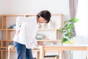 坐骨神経痛が起こることも…椎間板ヘルニアを予防する方法