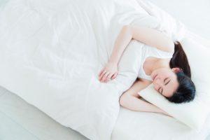 寝起きの腰痛の原因について